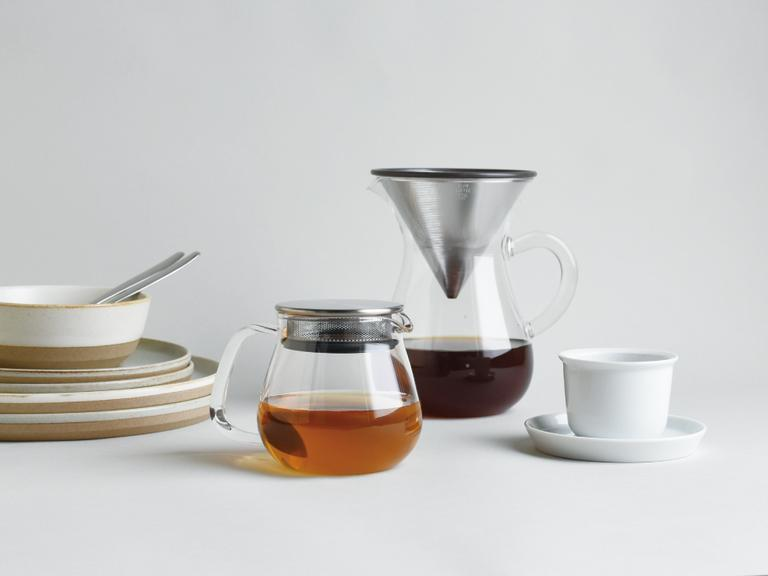 ステンレスコーヒードリッパーとコーヒー