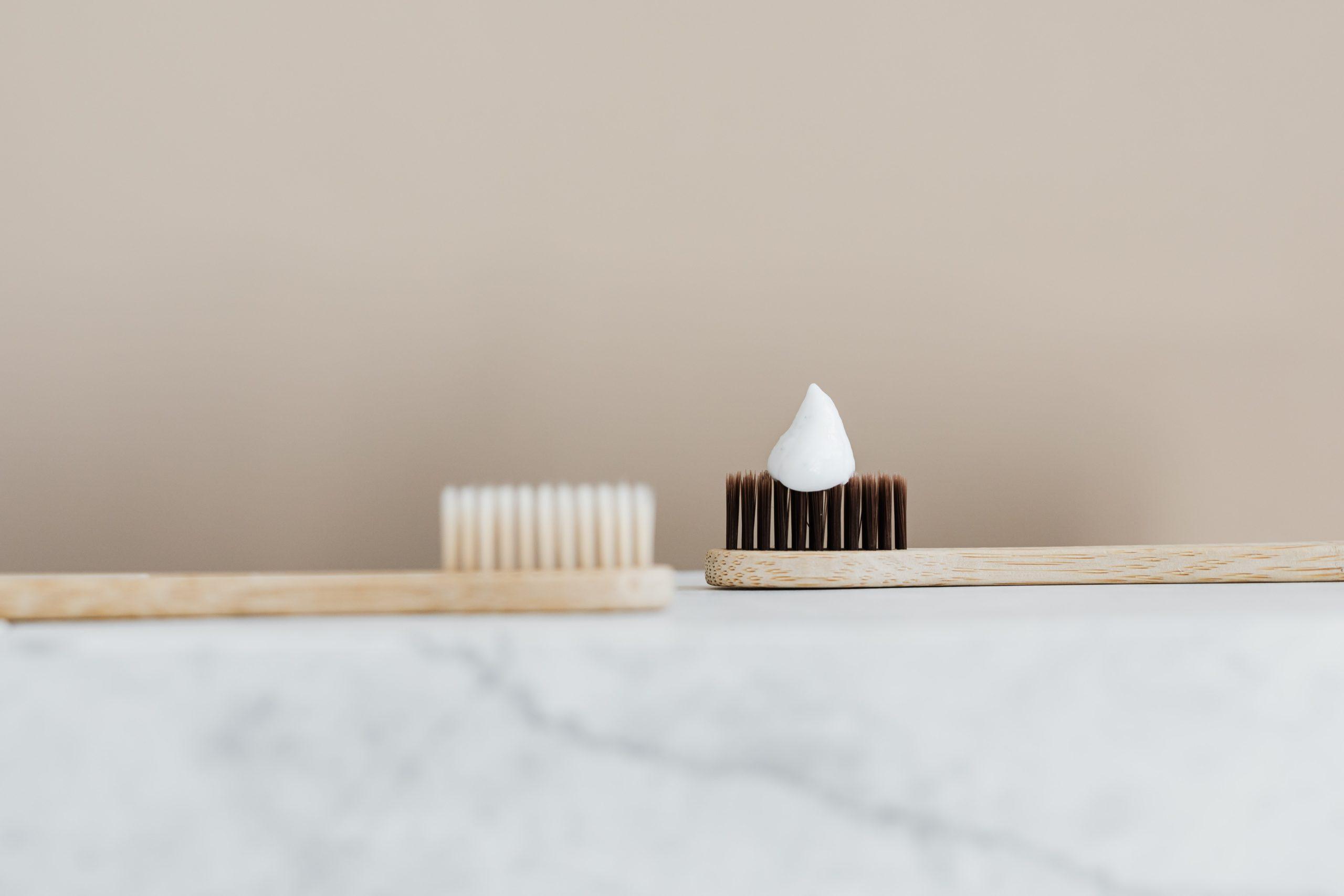 竹製の歯ブラシ